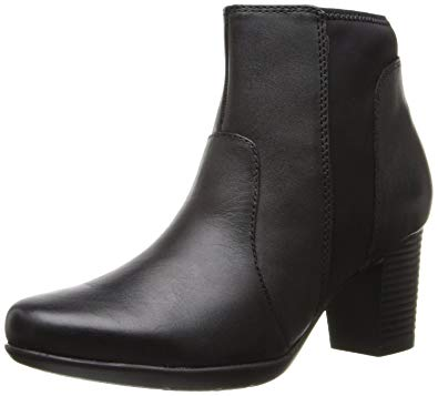 Clarks Women's Promise Camp Boot