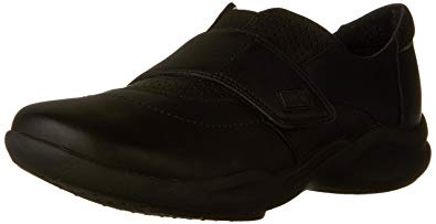 CLARKS Women's Wave Groove Walking Shoe
